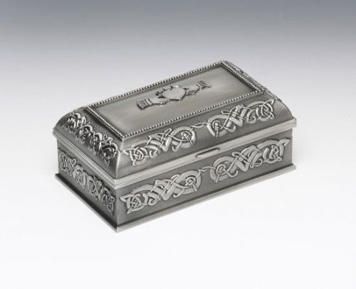 Medium Claddagh Jewellery Box